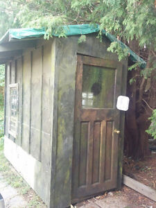 Shed for pickup only $100 OBO