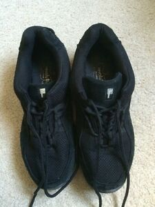 Dance Hip Hop Shoes Size 9.5  Kitchener / Waterloo Kitchener Area image 6