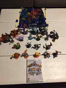 SKYLANDERS GIANTS COLLECTION W/Wii CD & BOOK ONLY $195!!