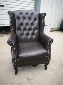 Brown faux leather high back chair 🚚🚚