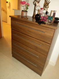 Chest of draws and 2 bedside draws