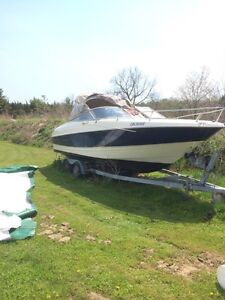 Amazing condition 24 foot bayliner