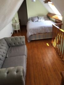 M-F King Room With Own Private Living Space Near Aztec West, M4/M5