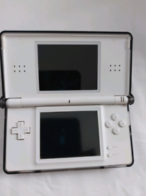 Ds lite with brain game cart.