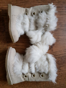 Brand new baby girl winter boots size 5