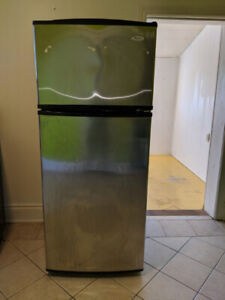 $200 - stove and fridge, perfect working condition.
