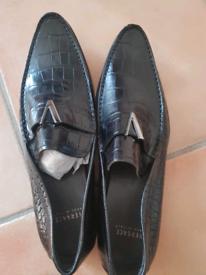 Men's Original Versace shoes 7.5 to 8 (size 41)