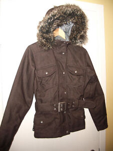 """NEW """"""""The North Face """""""" winter jacket ------- size Small"""