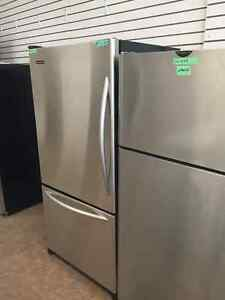 ** ELECTROMENAGER LAVAL**BEAUX REFRIGERATEURES EN STAINLESSE