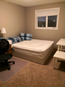 Large bed room in west end for rent