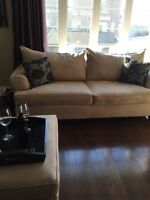 700$ Couch and love seat ottomans