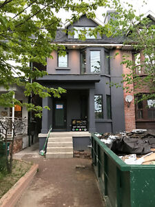 Little Italy 3 Bedroom - Roof Terrace **New After Total Reno**