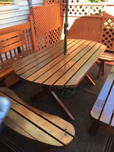 table extérieur en cèdre rouge de BC
