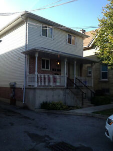 304 Wharncliffe Rd N close to Western Campus