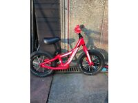 Specialised hot walk balance bike