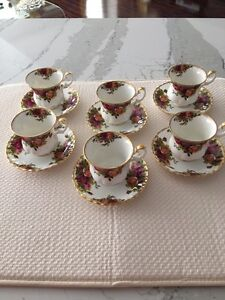 Bone china tea cup set