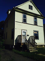 REDUCED! 5br house, $995 + utils, Available Now!