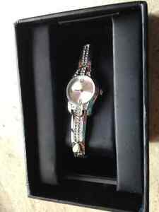 Never opened - Beautiful silver watch with artificial diamonds