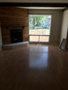 2 bedroom townhouse! march FREE! Telus