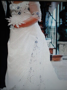 Beautiful Plus Size Bridal Gown.(With Custom Alterations)