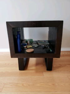 Ashley End/Side Table
