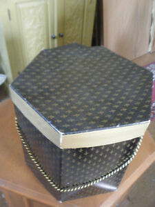 VINTAGE HAT BOXES Kawartha Lakes Peterborough Area image 1