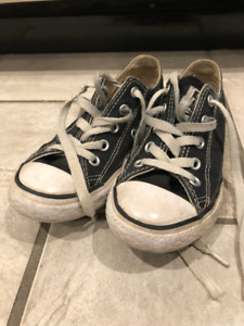 Converse Low Top Shoes 1dcb638d9