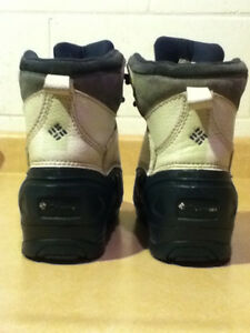 Women's Columbia Waterproof Winter Boots Size 4 London Ontario image 3