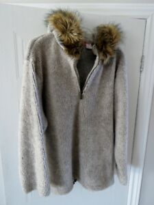 Chandail avec capchon Liz Claiborne hooded sweater