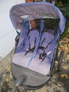 3 wheel expedition stroller for twins West Island Greater Montréal image 2