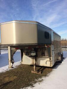 3 horse slant trailer weekender package