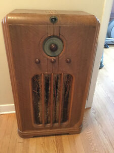 Radio Antique Sparton