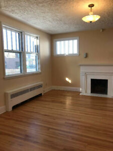 House with Full 2 Bed Basement APT - Parking+Yard - Fairview