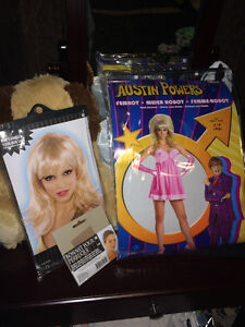 AUSTIN POWERS FEMBOT HALLOWEEN COSTUME *Includes Wig*