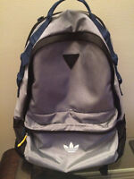 Adidas Original Backpack/ In perfect condition! Sac à dos Adidas