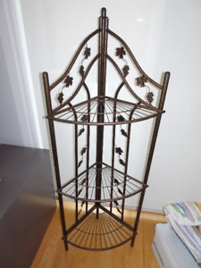Metal Corner Shelf - Bronze Colored Wires, Tubs & Maple Leaves