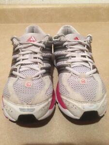 Women's Adidas Mi AdiPrene+ Response Running Shoes Size 7.5 London Ontario image 4
