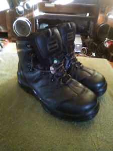 Insulated Workboots (size 9)