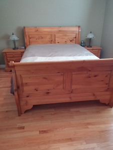 5 pc Pine bedroom suite