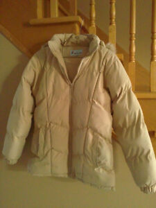 Women's beige puffy winter jacket Medium