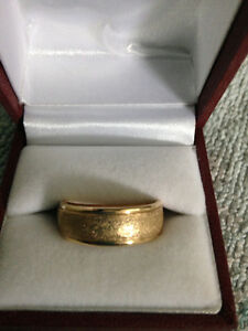 Men's Yellow 10 K Gold Band
