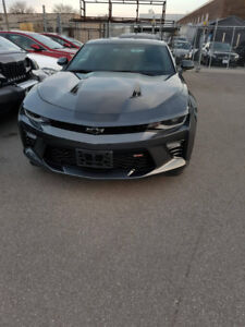 Chevy camaro 2016 ss, v8 beast in good condition with sunroof !!