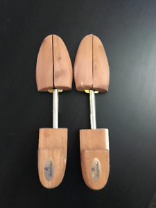 Brooks Brothers Cedar Split Toe Shoe Trees
