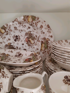 Johnson Brothers dishes vintage