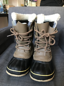 Sorel Pac Womens Boot-Excellent Condition