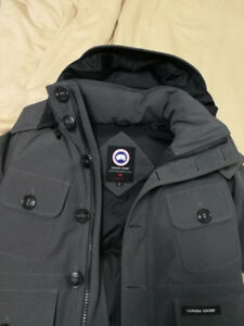 Canada Goose Selkirk in size small