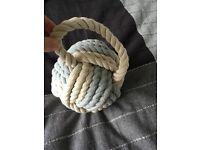 Nautical knot door stop