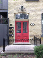 Excellent 3 Bedroom, 2 Bath in Heart of Downtown - Avail May 1st