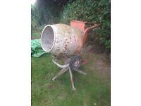 Elec cement mixer
