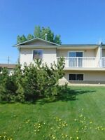 4 Bedroom, 2 Bath Duplex in Sexsmith